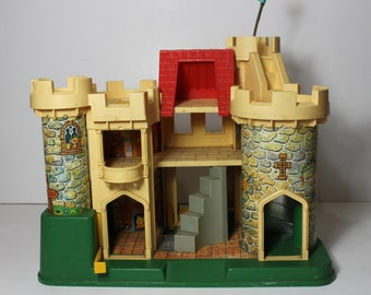 Vintage Fisher Price Play Family Little People Castle Model 993
