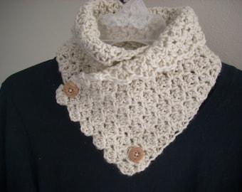 Crocheted neck warmer-off-white