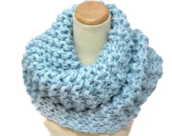 Outlander Inspried Cowl, Gift Idea For Her,  Claire Inspired, Hand Knit Cowl, Circle Scarf, Blue Scarf, Bulky Cowl, Bulky Scarf, Winter