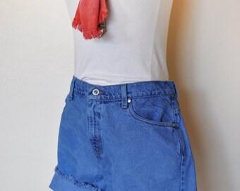 Blue Sz 13 Levi's SHORTS - Blue Dyed Denim Vintage Levi's Silver Tab Shorts - Adult Womens Size 13 Jr. (32 Waist)