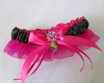 Camo & Hot Pink Prom Garter, Magenta Pink Bridal Garter,  Military / Army Camo Wedding Garter, Country Weddings