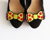 Pepperoni Pizza Bow Shoe Clips, Junk Food Accessories- Black FRiday Cyber Monday