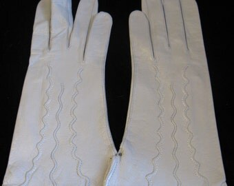 Vintage 60s Gray Kid Leather Gloves with Top Stitching, Deadstock, 6 1/4