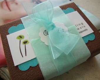 Special giftwrap - greenteajewels exclusively - prettily hand wrapped with personal touches
