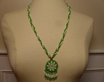 Vintage 1960's/1970's Native American Style Beaded Necklace
