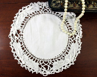 DAMAGED 10 Inch White Cluny Lace Edge - Vintage Doilies - Linen Centered 12079