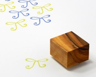 Dinky Ribbon Bow Olive Wood Stamp