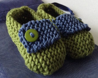 Unisex baby gift set - mid/ rowan green/ mid/ petrol blue hand knit loafer baby shoes. Green buttons, gift bag, chick gift tag