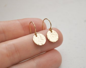 Hammered Gold Disc Earrings - gold filled 9.5 mm circle round drop dangle metal handmade gift for her - simple everyday bridesmaid jewelry