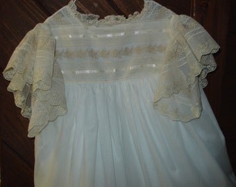 heirloom dress size 8 Beautiful lace white/ecru Pageant Portrait Graduation Communion confirmation wedding Beach Wedding