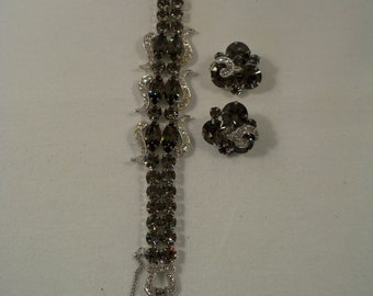 Exquisite Vintage 1950's Weiss Signed Rhodium Black Diamond Rhinestone Bracelet and Clip Earrings