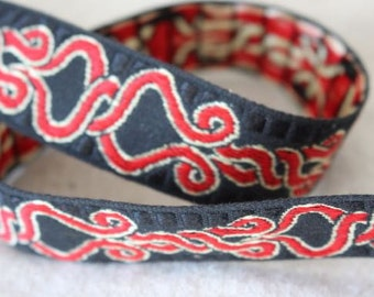Twist Loop Jacquard Ribbon in RED and GOLD on Black