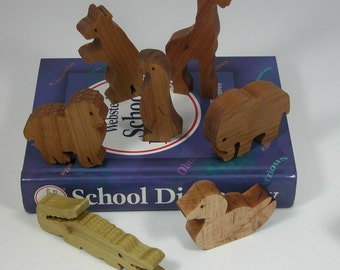 Toy Animals - 7 Wooden Animals -  Child's Decor and  Imagination - Kids Toys