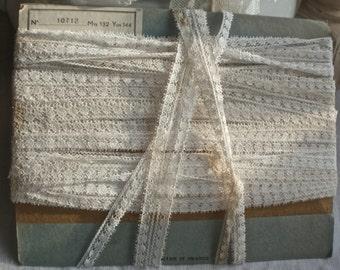Vintage Lace Trim. White Lace Trim, Crafts Dolls Ballet, Vintage Wedding 5 yards Furnishings Lace. Home Decor