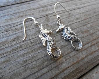 Seahorse earrings handmade in sterling silver 925