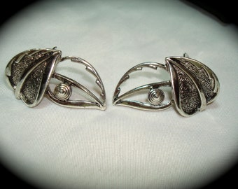 VIntage Abstract Sarah Coventry Silver Leaves Earrings.