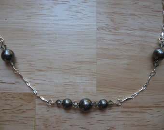 Crystal Pearl Necklace Gray