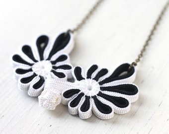 Black and White Lace Oriental Necklace, Traditional Chinese Cheongsam Button for Asian Wedding in Antique Brass