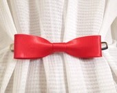 Red Bow Tie Cinch Clip