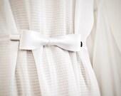 White Bow Tie Cinch Clip