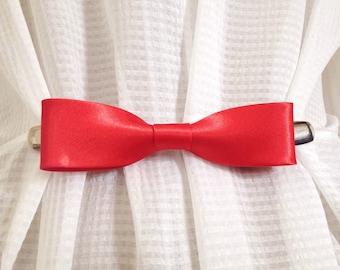 Red Bow Tie Cinch Clip