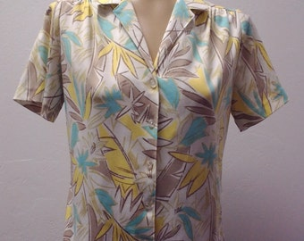 1970s Short Sleeve Polyester Blouse by Graff California, Leaf print, Size Medium Large,  #51540