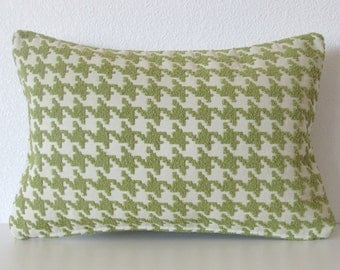 Chenille Texture Houndstooth Pillow Cover Green
