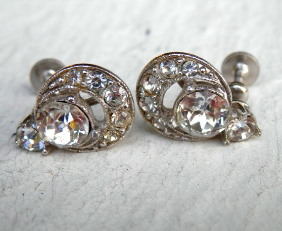 Vintage bogoff earrings silvertone screwbacks by for Bogoff vintage costume jewelry