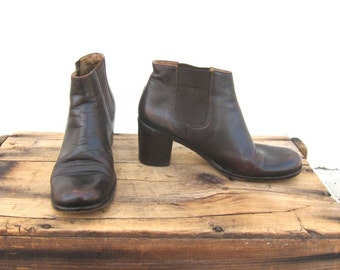 Vintage George Marciano GUESS Chocolate Brown Ankle Chelsea Beetle Heeled Boots Ladies Size 40 (US 9.5-10)
