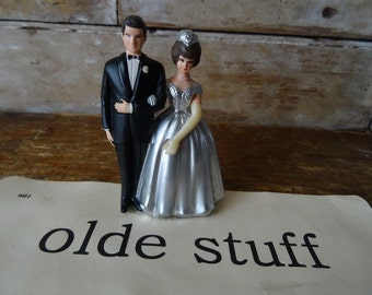 Vintage Wedding Bride and Groom  Cake Topper  Lovely Shabby Chic Piece 1950s