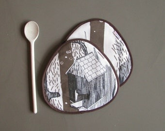 treehouse print pair of potholders in brown, black and white - whimsical potholders - large rounded potholders - housewarming gift - rustic