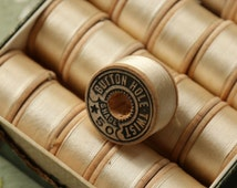 1 spool vintage pure silk buttonhole Belding 50  twist thread spool warm cream white shade 10 yards size D Belding Corticelli