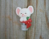Vintage Hallmark Christmas Mouse Pin, Holiday Pin, Christmas Pin, Hallmark Pin, Mouse in Thimble