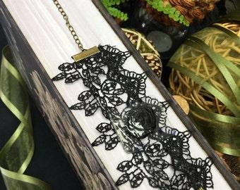 Corsage Bracelet – Vintage Lace Lolita - Black