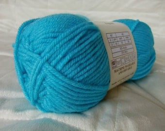Universal Yarn Classic Worsted, worsted weight yarn, Turquoise color