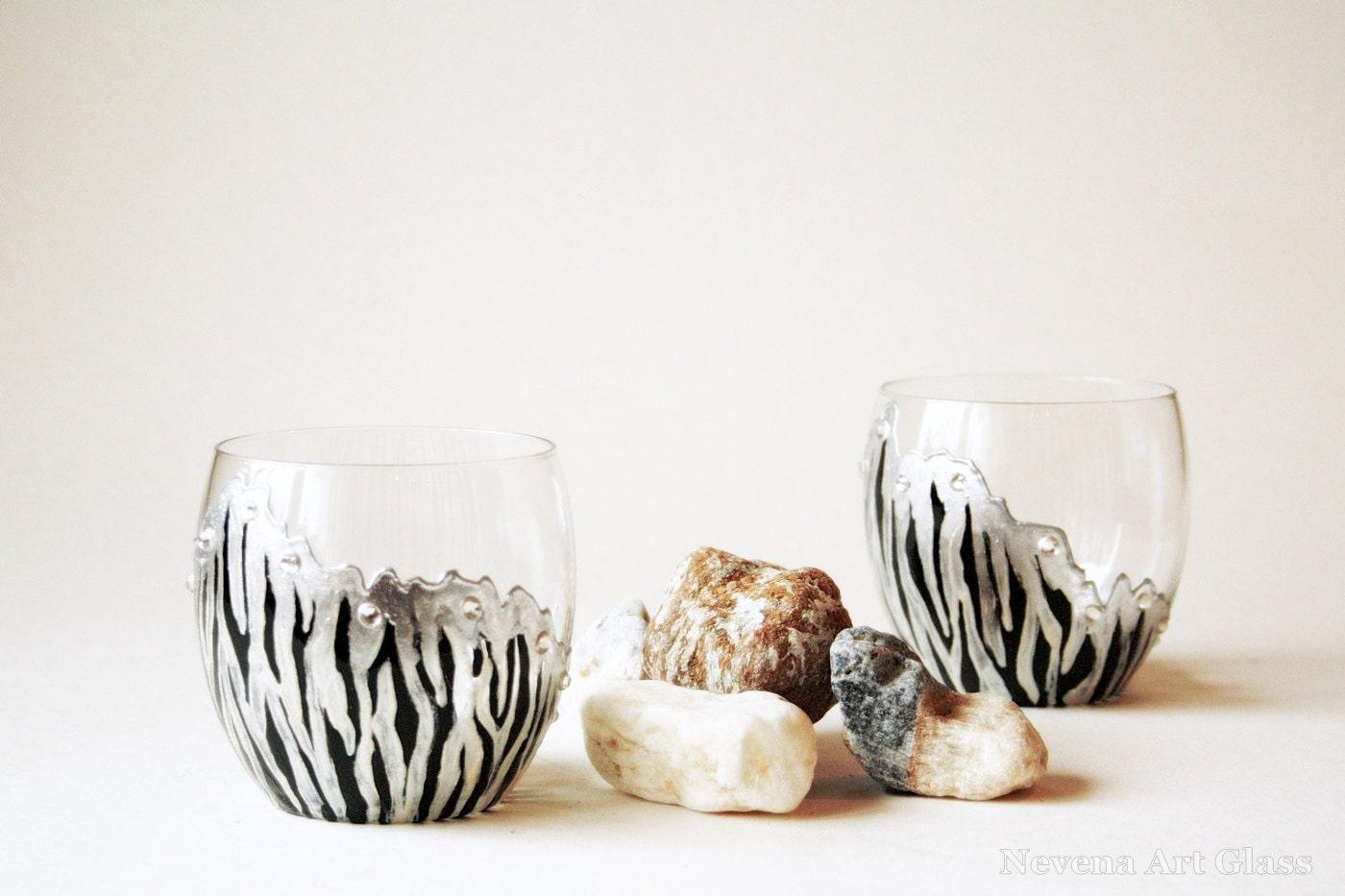 whisky gl ser becher hand bemalt gl ser zebra brille set. Black Bedroom Furniture Sets. Home Design Ideas