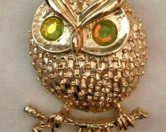 Owl Brooch // Sarah Coventry // Gold Tone // Vintage