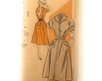 50s Mail Order 2720 Dress with Wing Collar, Flared Skirt, Patch Pocket - Size 16 Bust 34