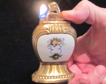Vintage Evans Guilloche Lighter Table Lighter Art Deco Womens Lighter EXCELENT WORKING CONDITION