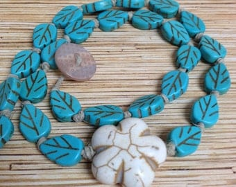 Stone Leaf and Flower Knotted Hemp Necklace