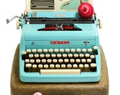 1957 Turquoise Royal Quiet DeLuxe Typewriter with Original Case and Vintage Metal Ribbon Spools - Royal Typewriter