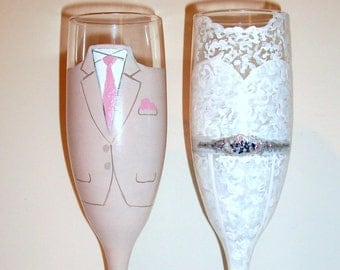 Bride and Groom Wedding Dress and Tuxedo Hand Painted Champagne Flutes Set of 2 / 6 oz Handpainted Wedding Flutes Custom Made To Order