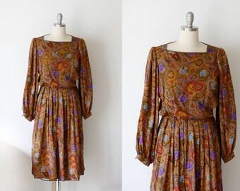 SALE 80's Paisley Albert Nipon Dress / Cinched Waist / Boho Dress / S M