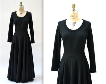 Vintage Black Dress Size Medium Large Maxi Dress with Long Sleeves and Full Skirt// 70s Vintage Black Long Dress Medium