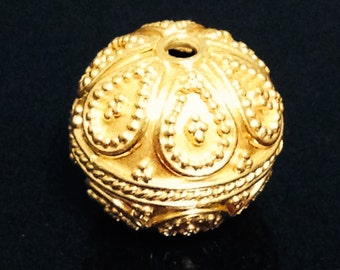 1 Large Extremely Elegant Vermeil Gold Bead - 13.25mm - Carpet Granulated with Swirls and Dots MB331
