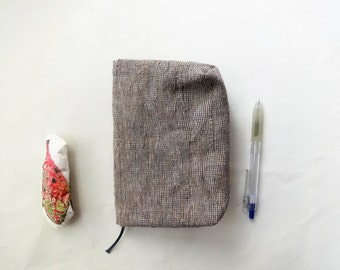 Pouch / Cover  ( small cecked linen ) x Notebook