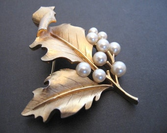 Vintage Crown TRIFARI Faux Pearl Brooch - Curled Leaf Brooch - Wedding Bridal
