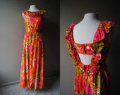 Vintage 70's MAXI Dress - Made in Hawaii - Back Cut Out - Medium