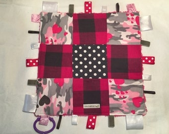 Hearts and Camo Taggie Blankie