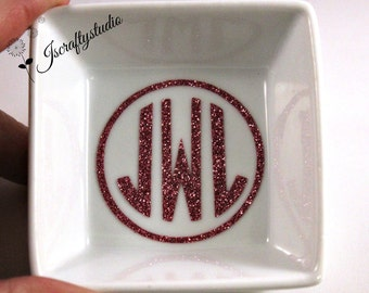 Monogrammed Ring Dish - Wedding Gift - Bridesmaids Gifts - Personalized gift for her - Monogrammed Jewelry Dish -Gift for Mom -Custom Dish